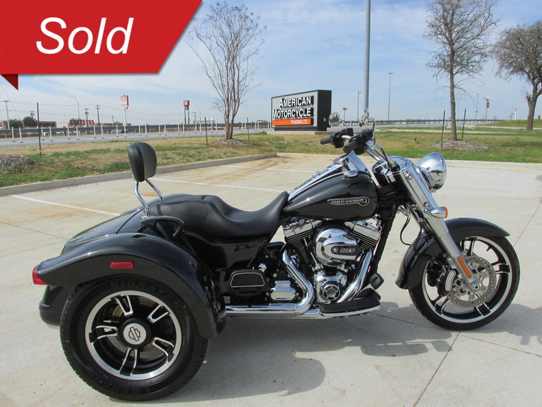2016 harley davidson freewheeler trike flrt for sale 82154 mcg. Black Bedroom Furniture Sets. Home Design Ideas
