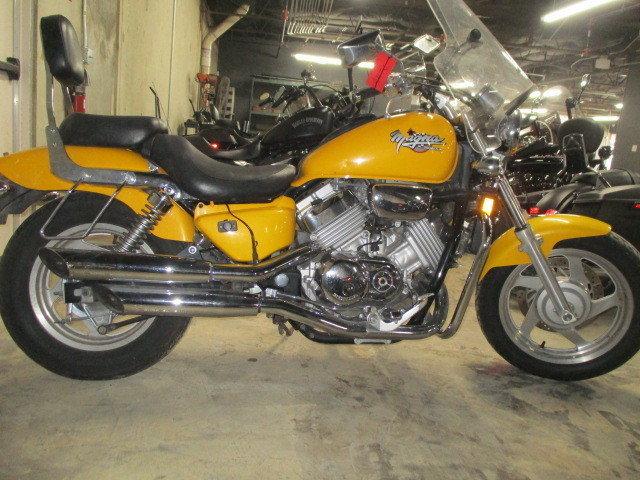 2925 E. Division. Texas, 76011 (817) 695 1151. 1995 Honda Magna