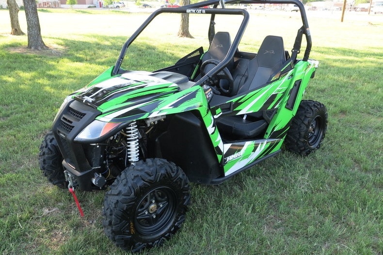 Arctic cat Vehicle
