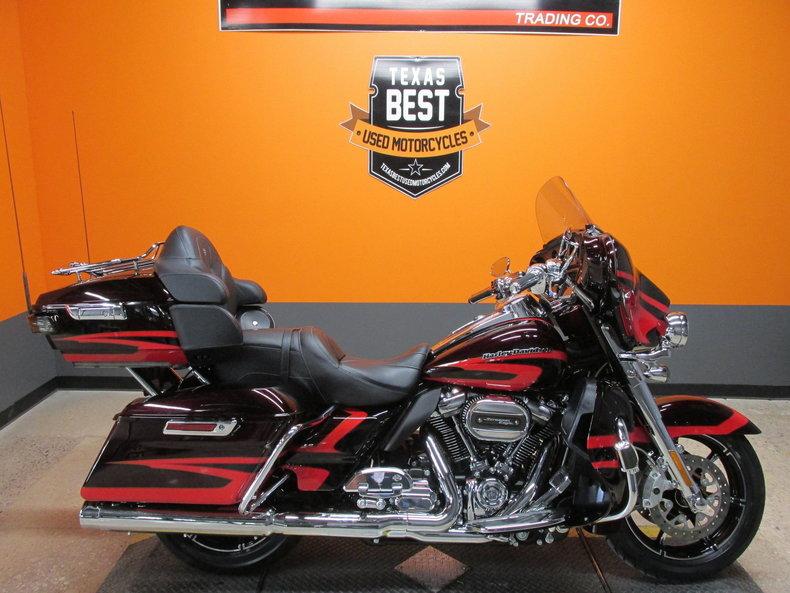 2017 Harley-Davidson CVO Ultra Limited