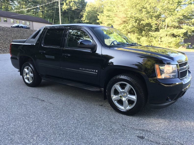 2007 chevrolet avalanche 4wd crew cab 130 lt w 1lt for. Black Bedroom Furniture Sets. Home Design Ideas