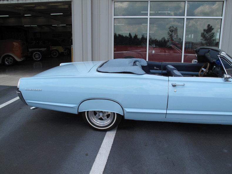 1967 Mercury Monterey 32