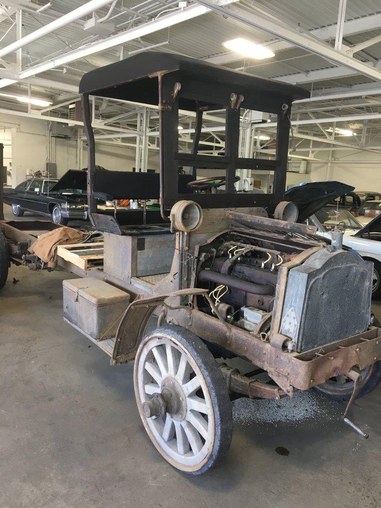 1915 Packard truck
