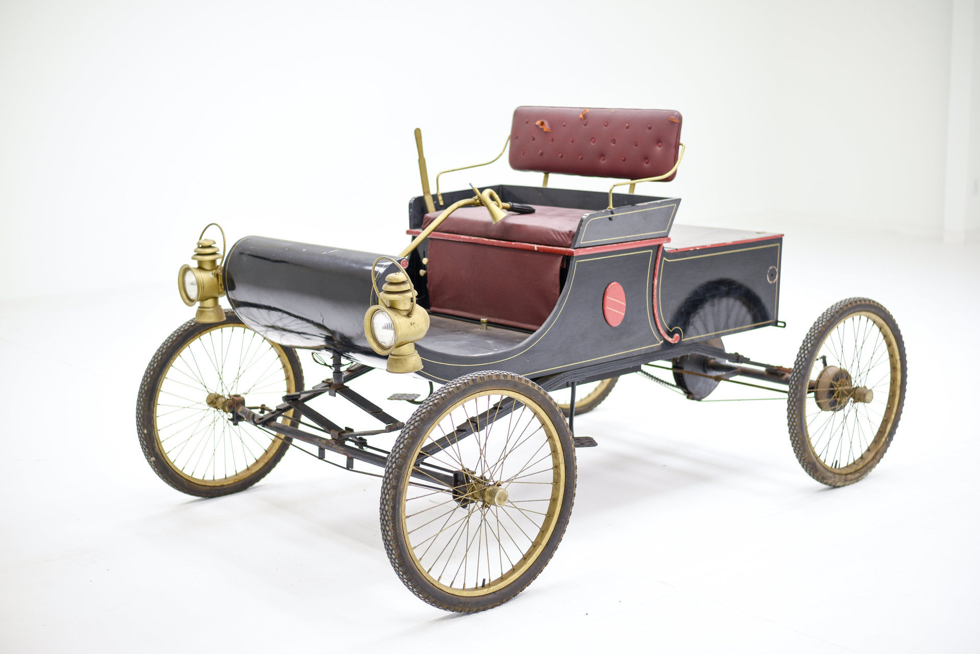 1901 Oldsmobile Curved Dash Replica