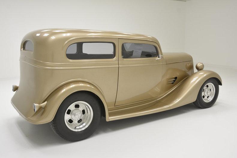 1935 Chevrolet Tudor