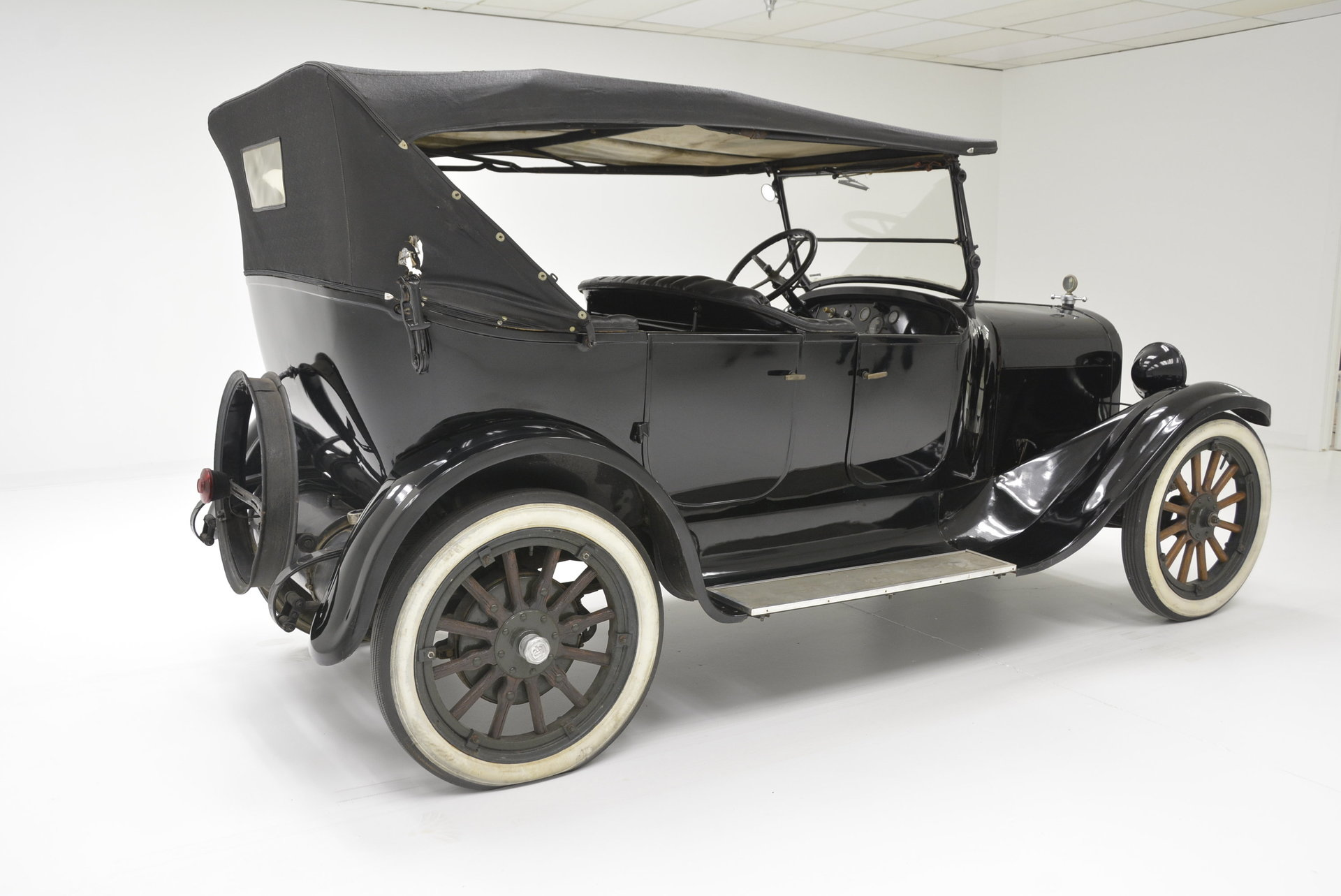 HISTORY OF THE DODGE ANTIQUE CARS | ANTIQUES CENTER |1929 Dodge Touring Car