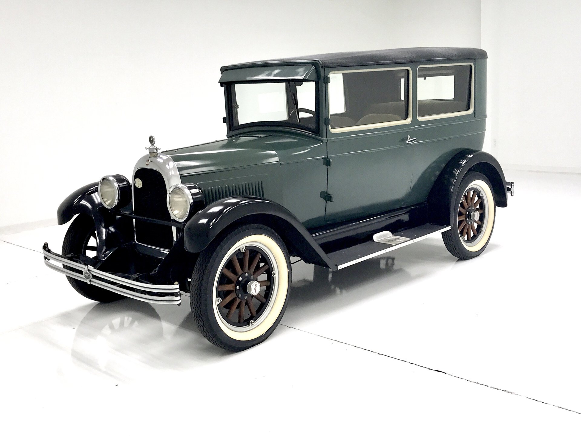 1928 Whippet 2 DR Sedan