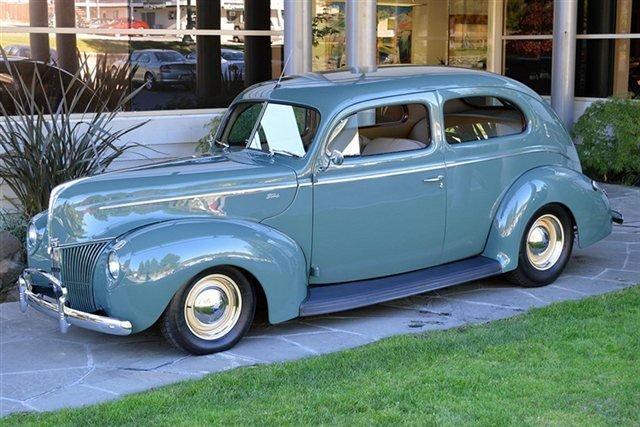 1940 Ford 2-Door Sedan_4806