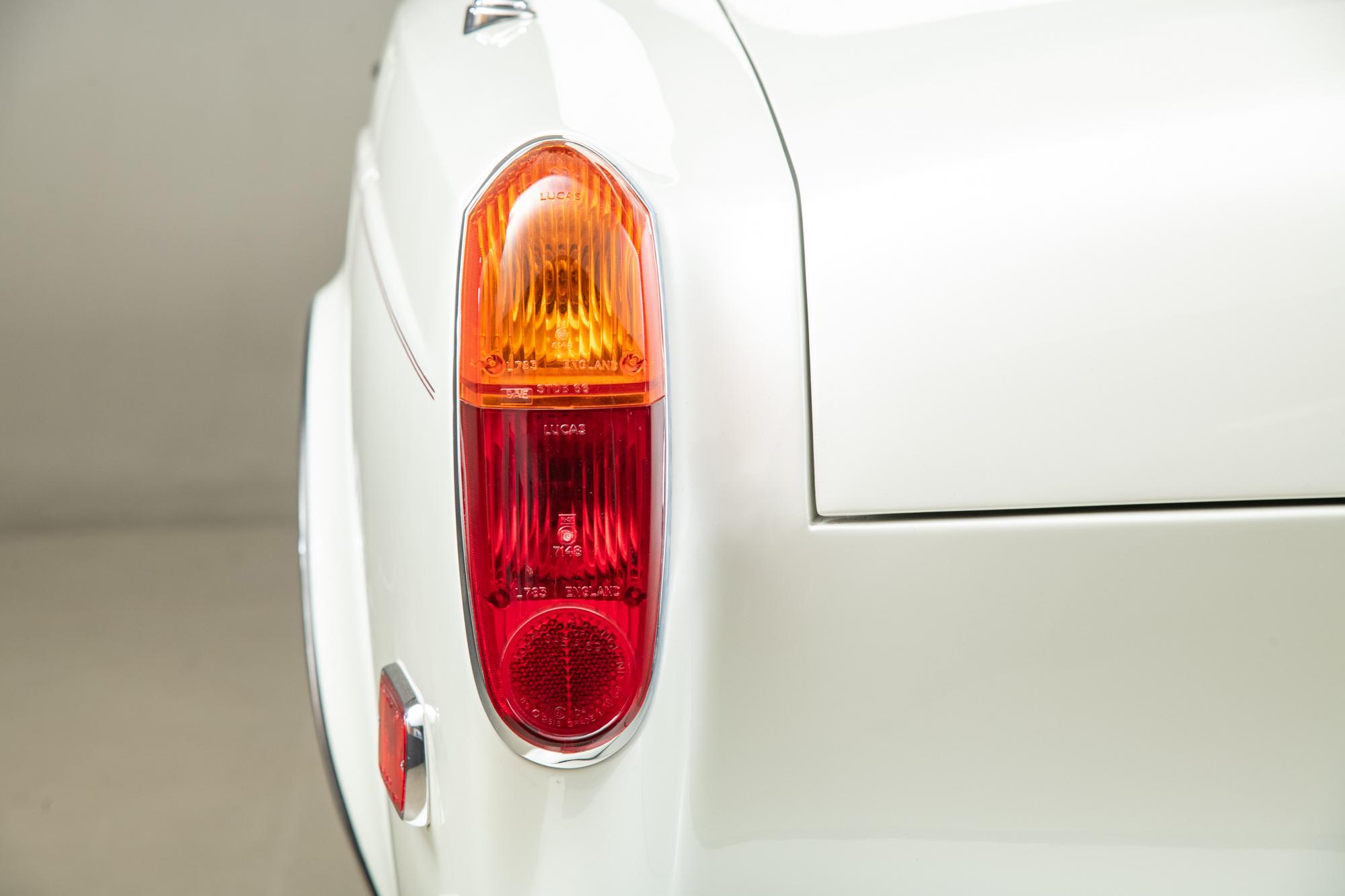1994 Rolls Royce Corniche , WHITE METALLIC, VIN SCAZD02C7RCX50033, MILEAGE 9349