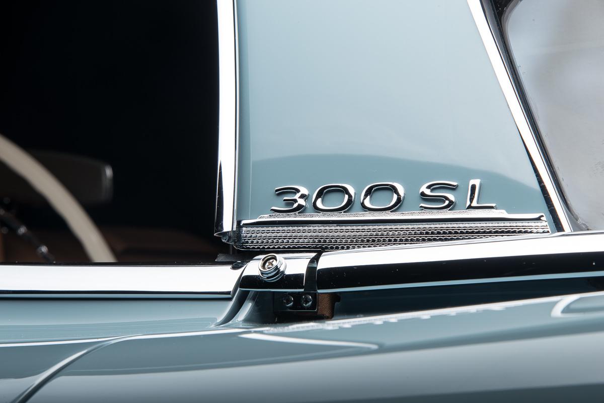 1960 Mercedes-Benz 300 SL Roadster, BLUE GRAY, VIN 19804210002509, MILEAGE 15685