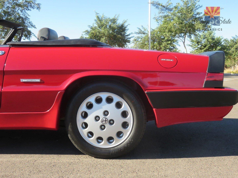 1989 Alfa Romeo Spider 2dr Convertible Quadrifoglio For