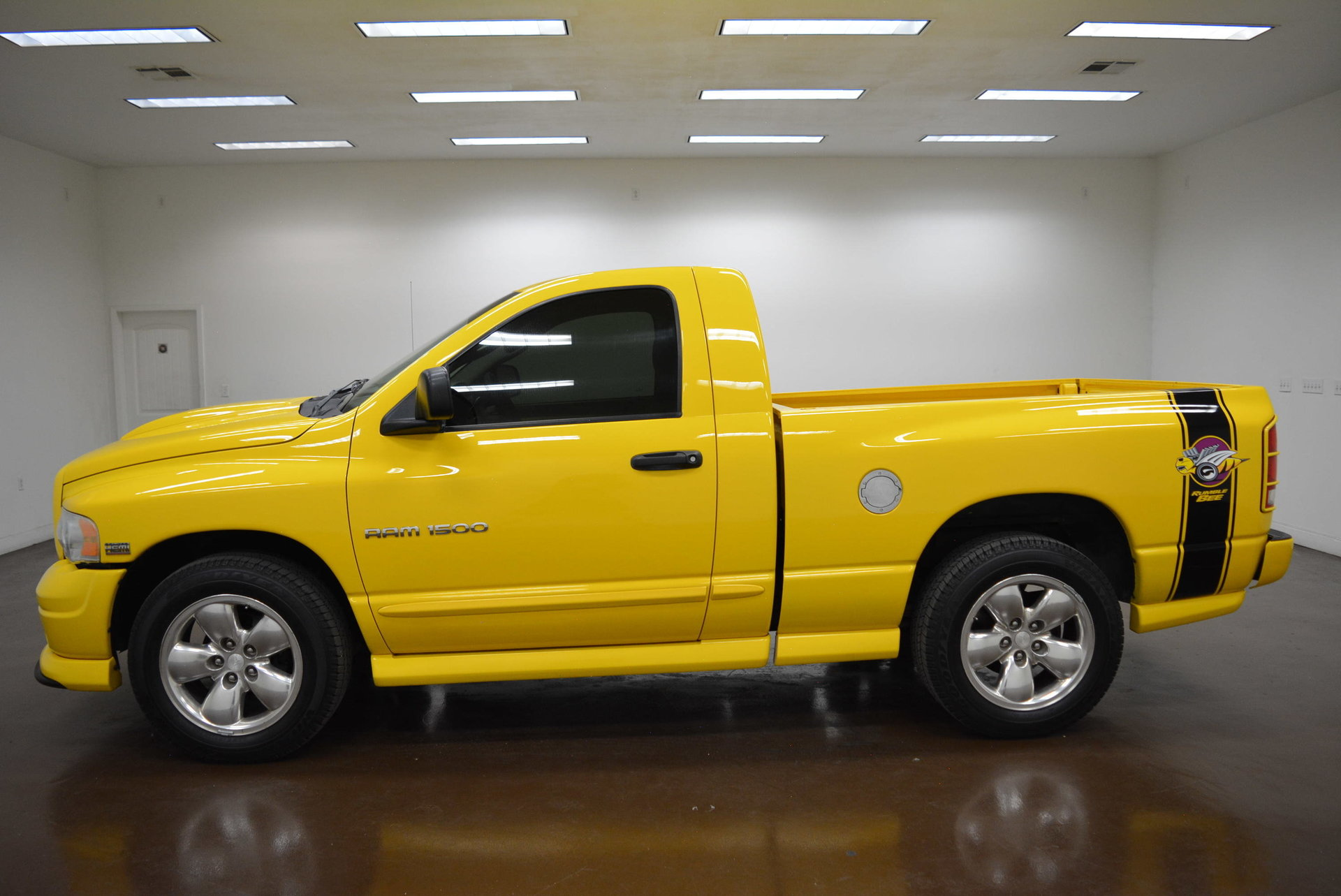 2004 dodge ram 1500 rumblebee for sale 87555 mcg. Black Bedroom Furniture Sets. Home Design Ideas