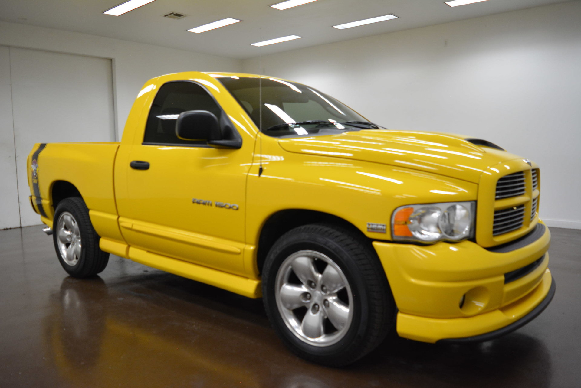 2004 dodge ram 1500 classic car liquidators in sherman tx. Black Bedroom Furniture Sets. Home Design Ideas