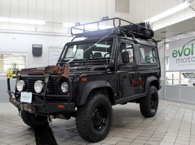 13698777b0f1e low res 1995 land rover defender