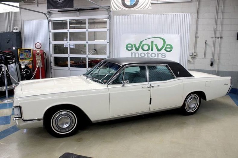 13940b4ccc6d0 low res 1968 lincoln continental