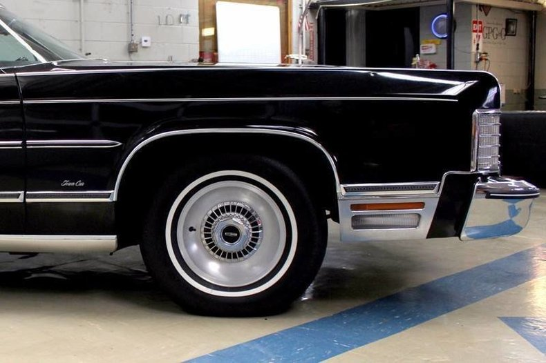 For Sale 1976 Lincoln Continental