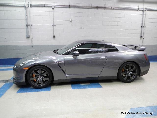17216a16a9631 low res 2010 nissan gt r
