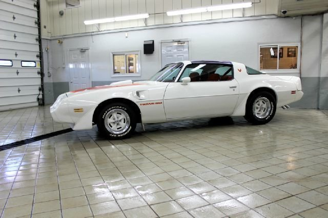 192241578b974 low res 1979 pontiac trans am
