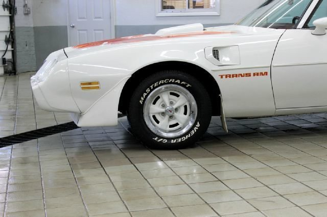19225b9b34290 low res 1979 pontiac trans am