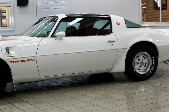 19226dd677283 low res 1979 pontiac trans am