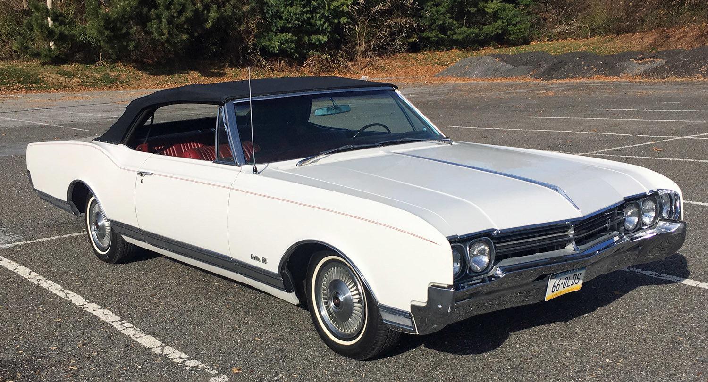 21865e4698281 hd 1966 oldsmobile delta 88