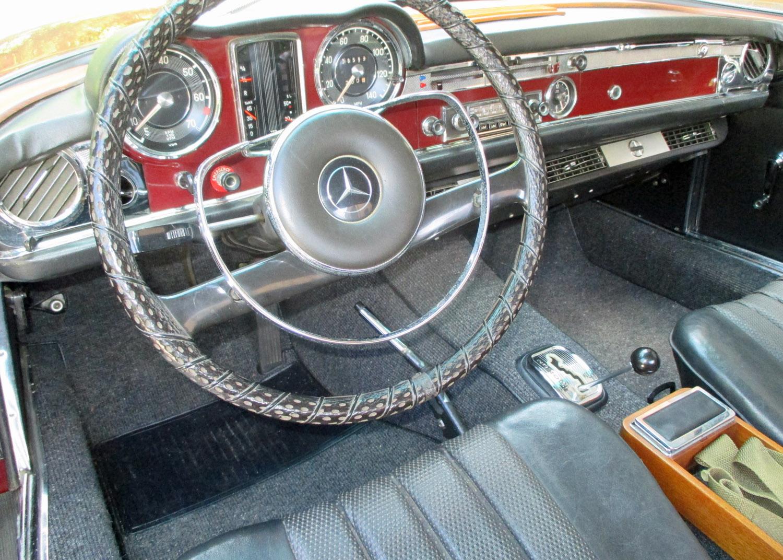 1967 Mercedes-Benz 250SL