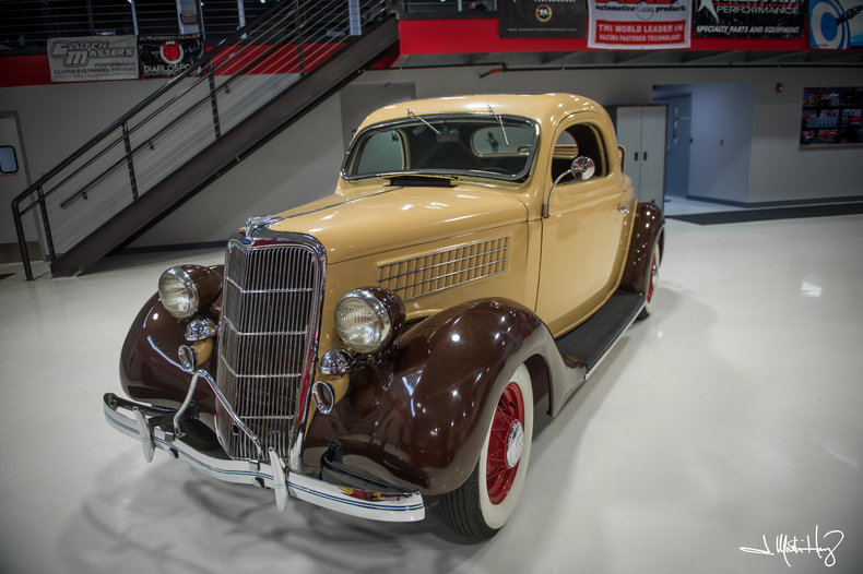 1935 Ford 3 Window