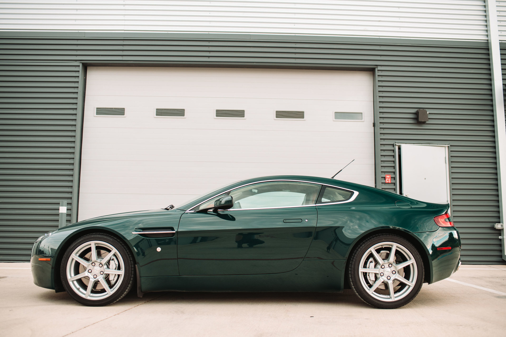 2007 Aston Martin Vantage 2dr Cpe Manual for sale