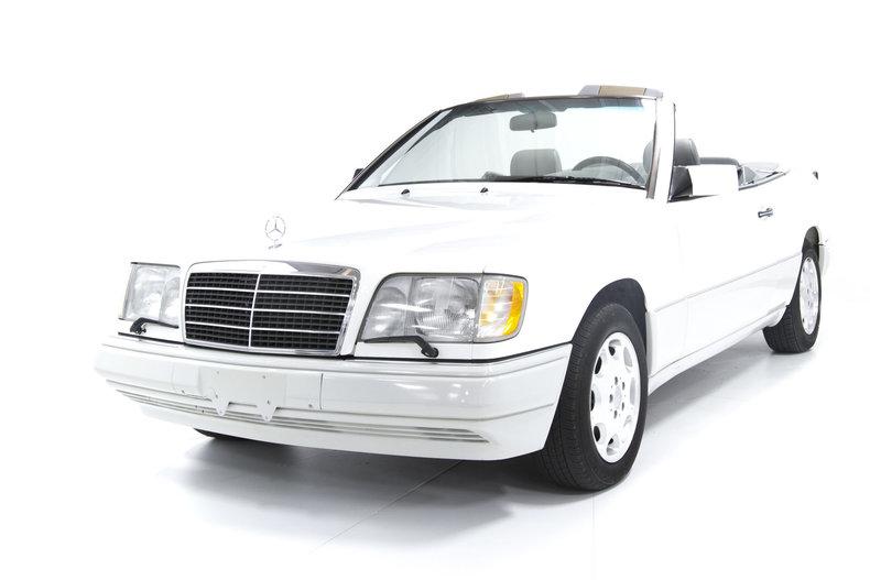 1995 Mercedes-Benz E320
