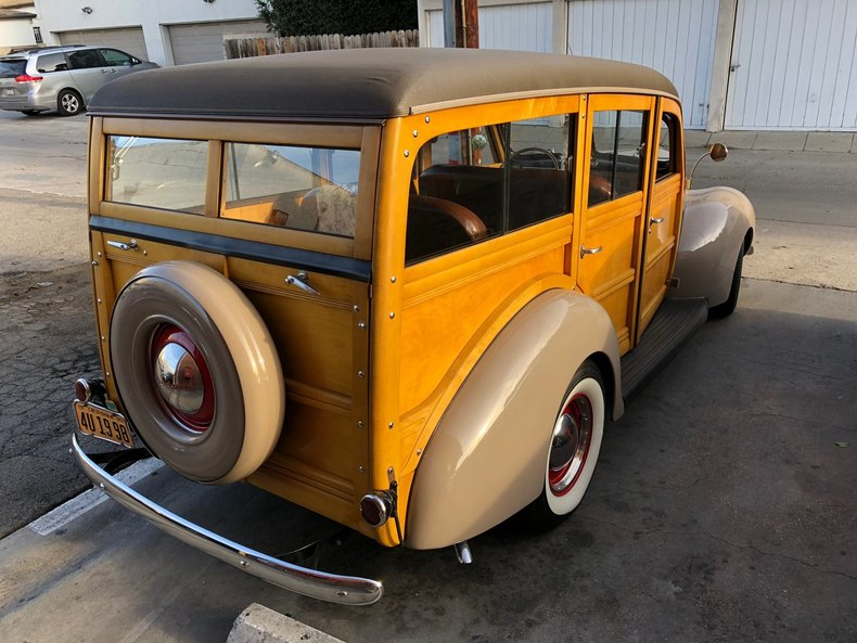 1940 Ford Deluxe Woody