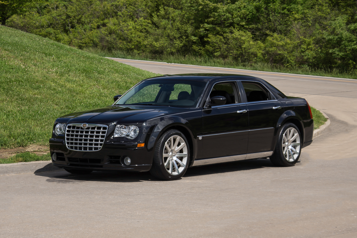 2006 chrysler 300c srt 8 fast lane classic cars. Black Bedroom Furniture Sets. Home Design Ideas