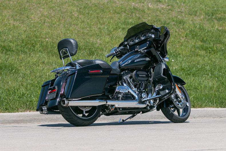 2016 Harley-Davidson Street Glide CVO