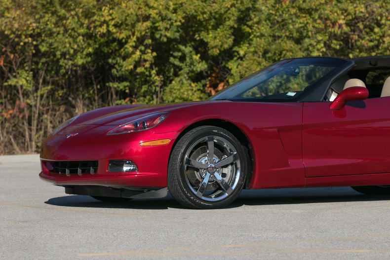 5776656a2079b low res 2010 chevrolet corvette