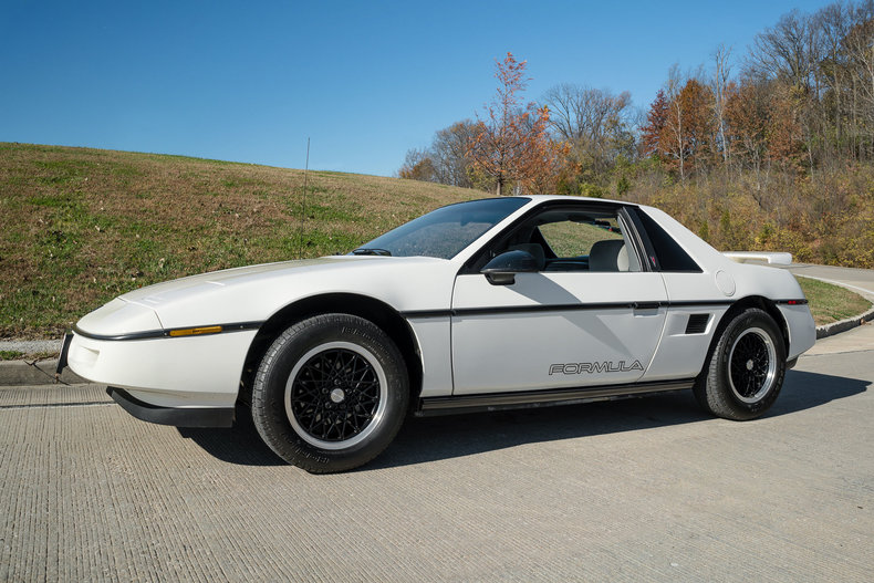 59862f51e03e5 low res 1988 pontiac fiero