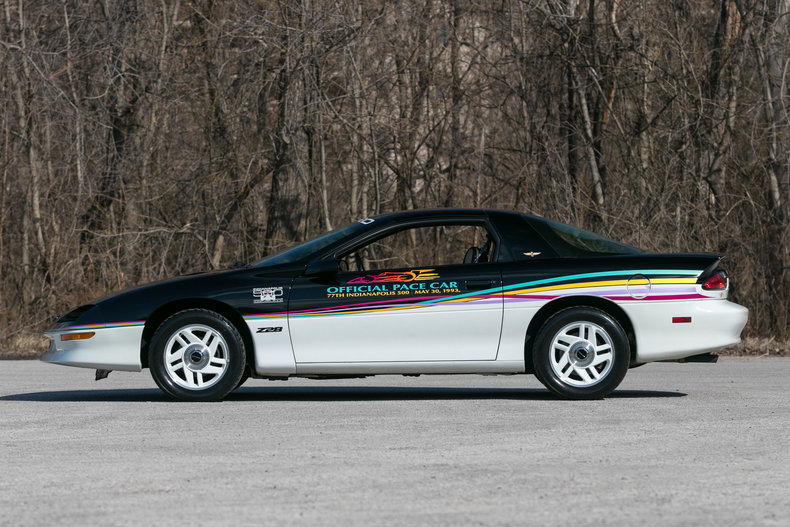 6251803147dd0 low res 1993 chevrolet camaro pace car
