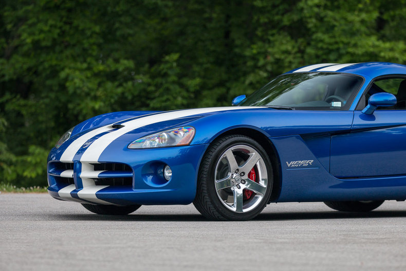 6273034e9ed090b2f low res 2006 dodge viper srt10