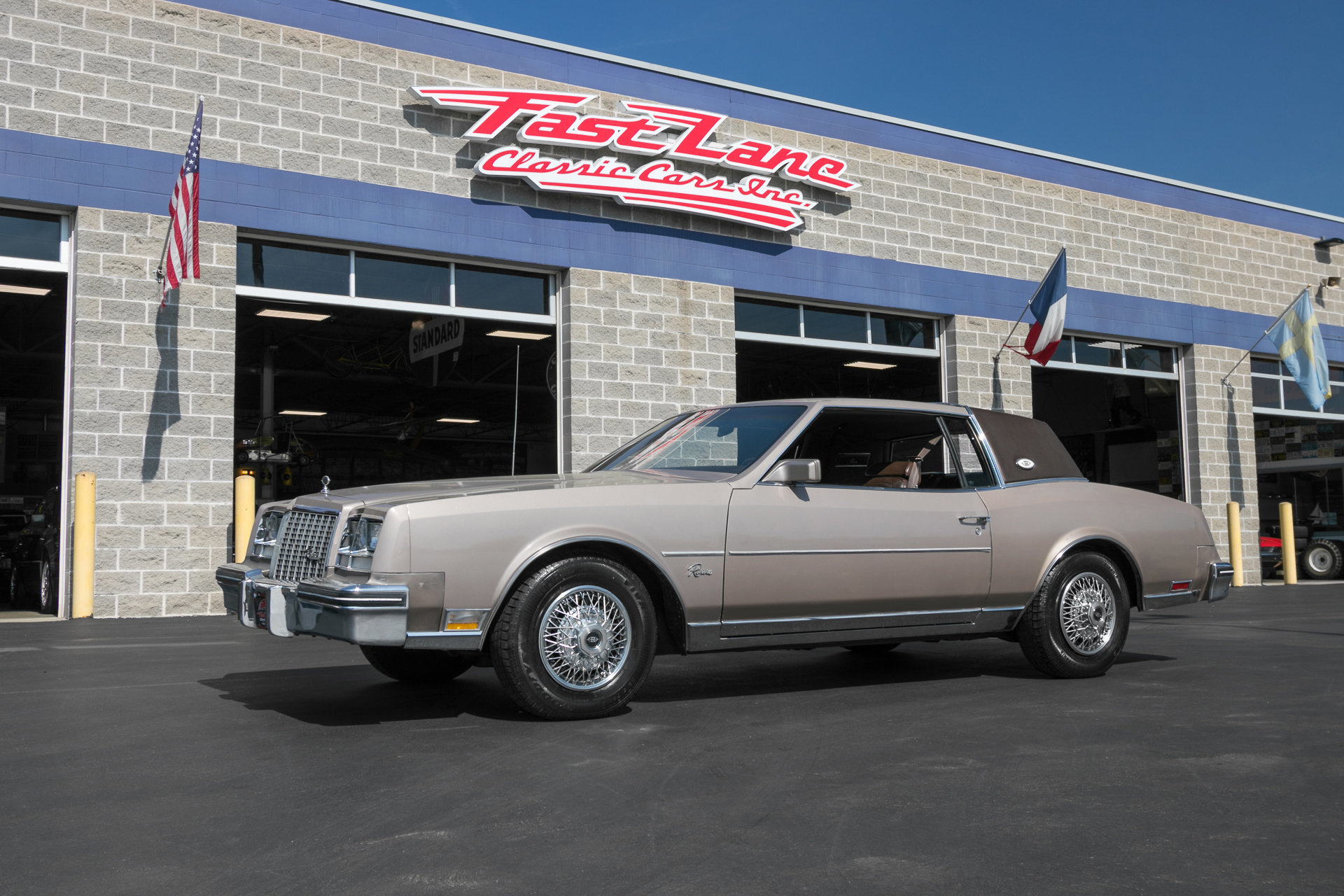 63715e760e620 hd 1983 buick riviera