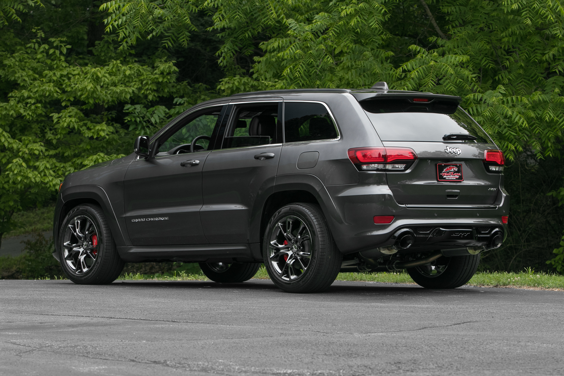 2014 jeep grand cherokee srt 8 fast lane classic cars. Black Bedroom Furniture Sets. Home Design Ideas