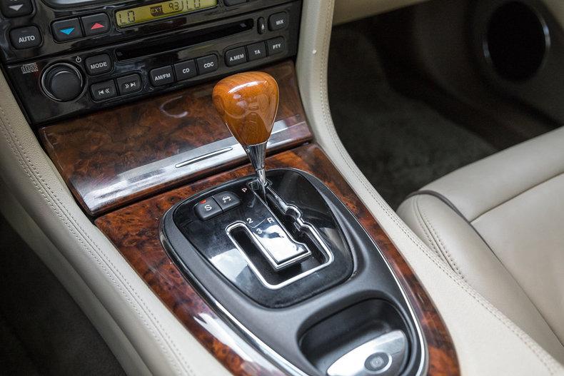 2005 Jaguar XJ8