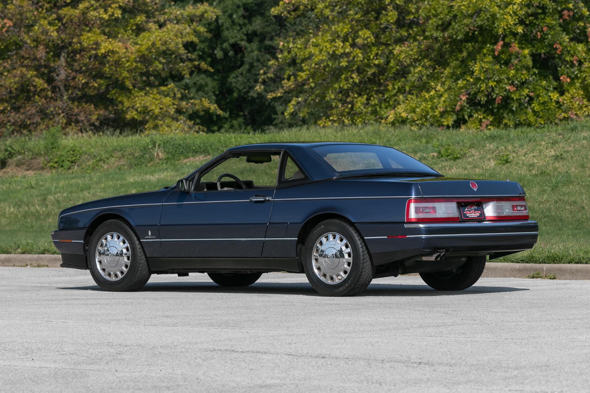 1993 cadillac allante fast lane classic cars. Black Bedroom Furniture Sets. Home Design Ideas