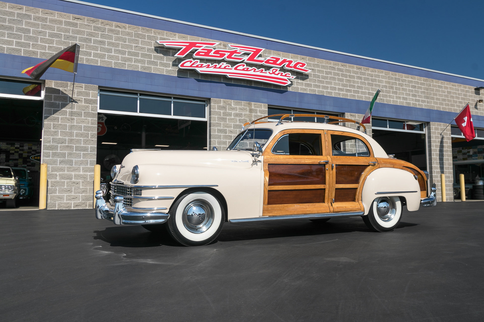 67320d02b01b5 hd 1947 chrysler town and country