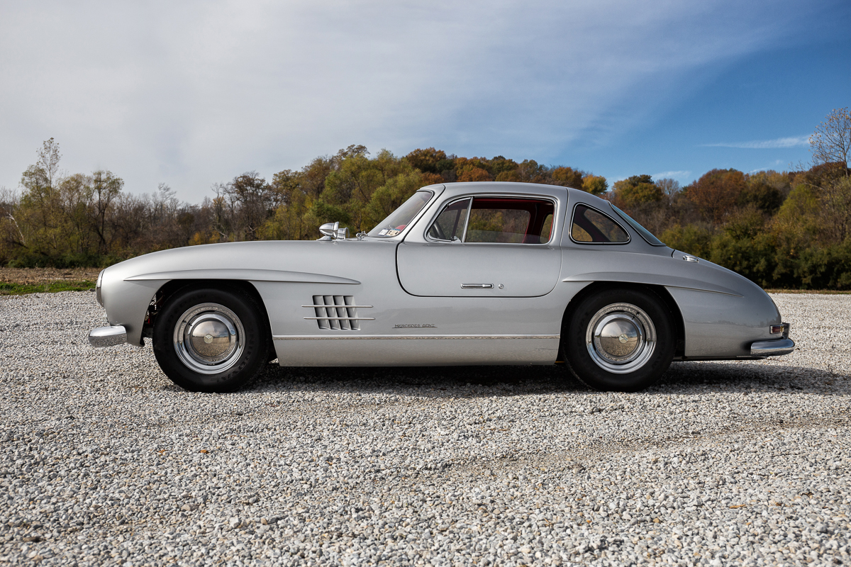 1955 mercedes benz gullwing 300sl replica fast lane for Mercedes benz gullwing 1955