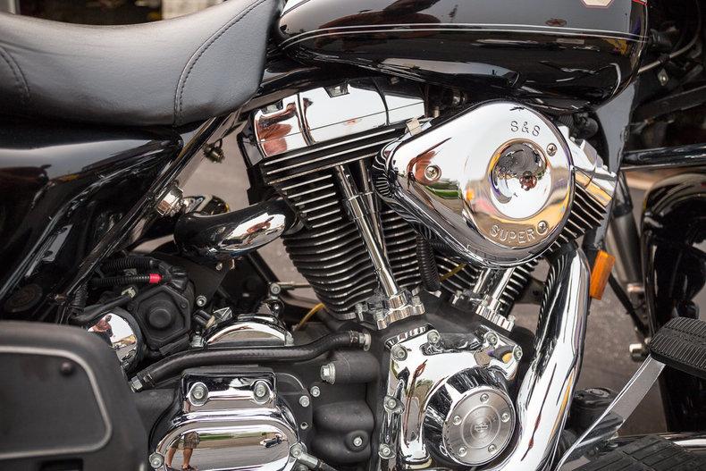 2004 Harley Davidson FLHR