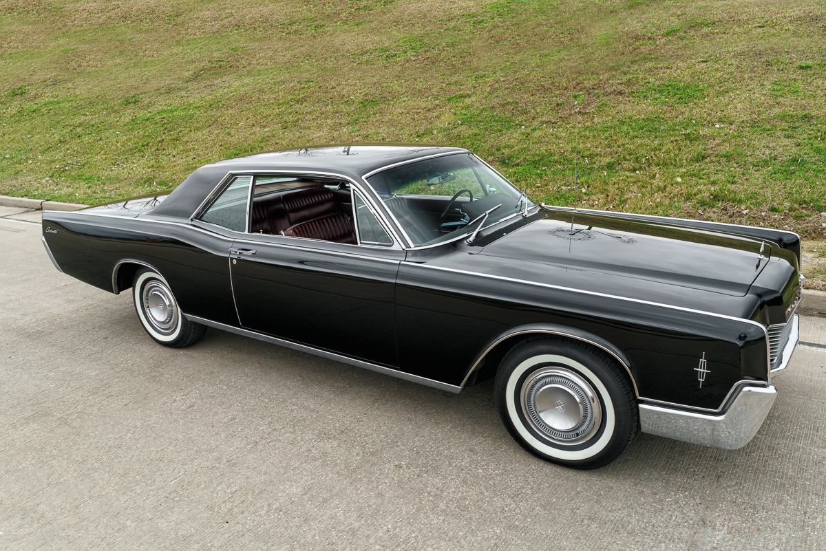 1966 Lincoln Continental | Fast Lane Clic Cars
