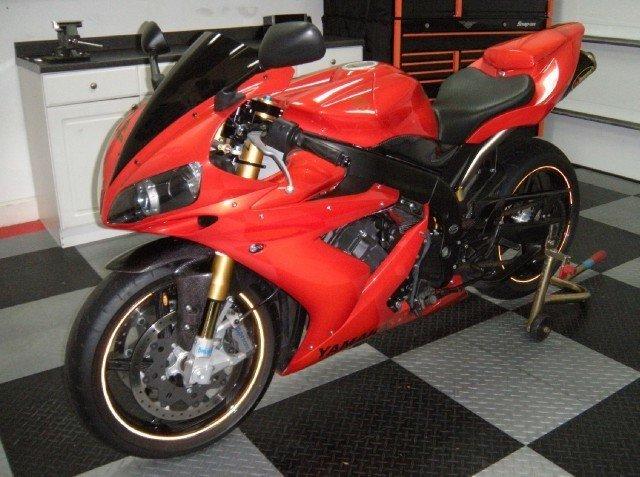 2005 Yamaha R1