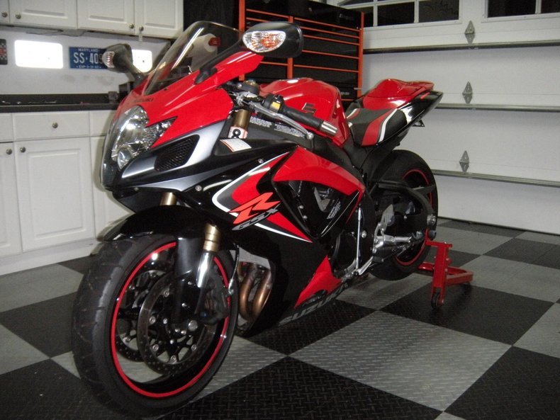 2006 suzuki gsxr600 2006 suzuki gsx r 600 for sale to purchase or buy classic cars for sale. Black Bedroom Furniture Sets. Home Design Ideas