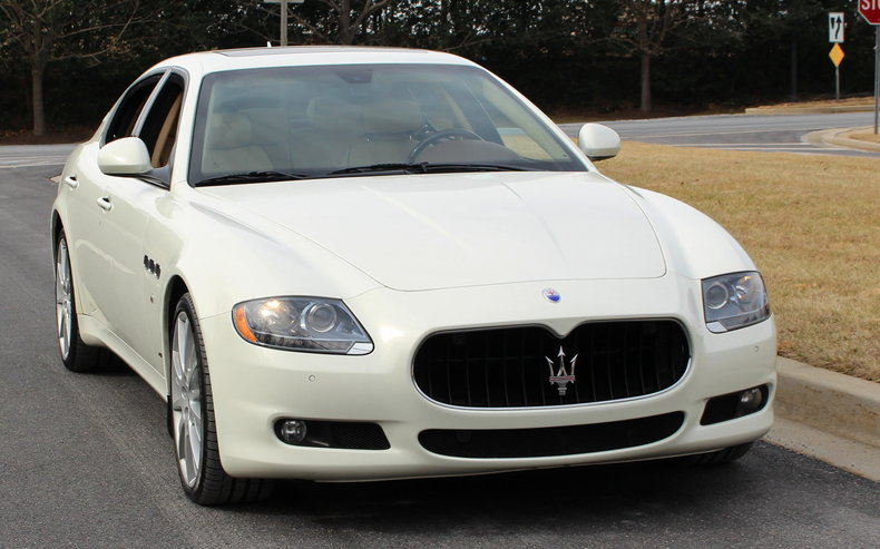 https://dealeraccelerate-all.s3.amazonaws.com/flemings/images/3/5/5/1/3551/530912b32abbd_low_res_2013-maserati-quattroporte-s.jpg