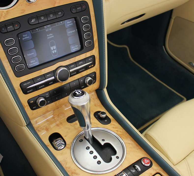 2010 Bentley Continental GTC 10