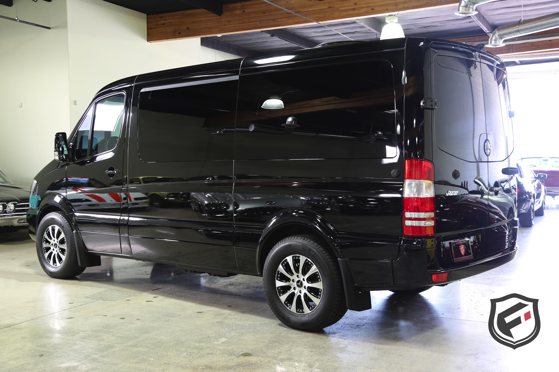 sale dyler black cars mpv benz for minivan mercedes