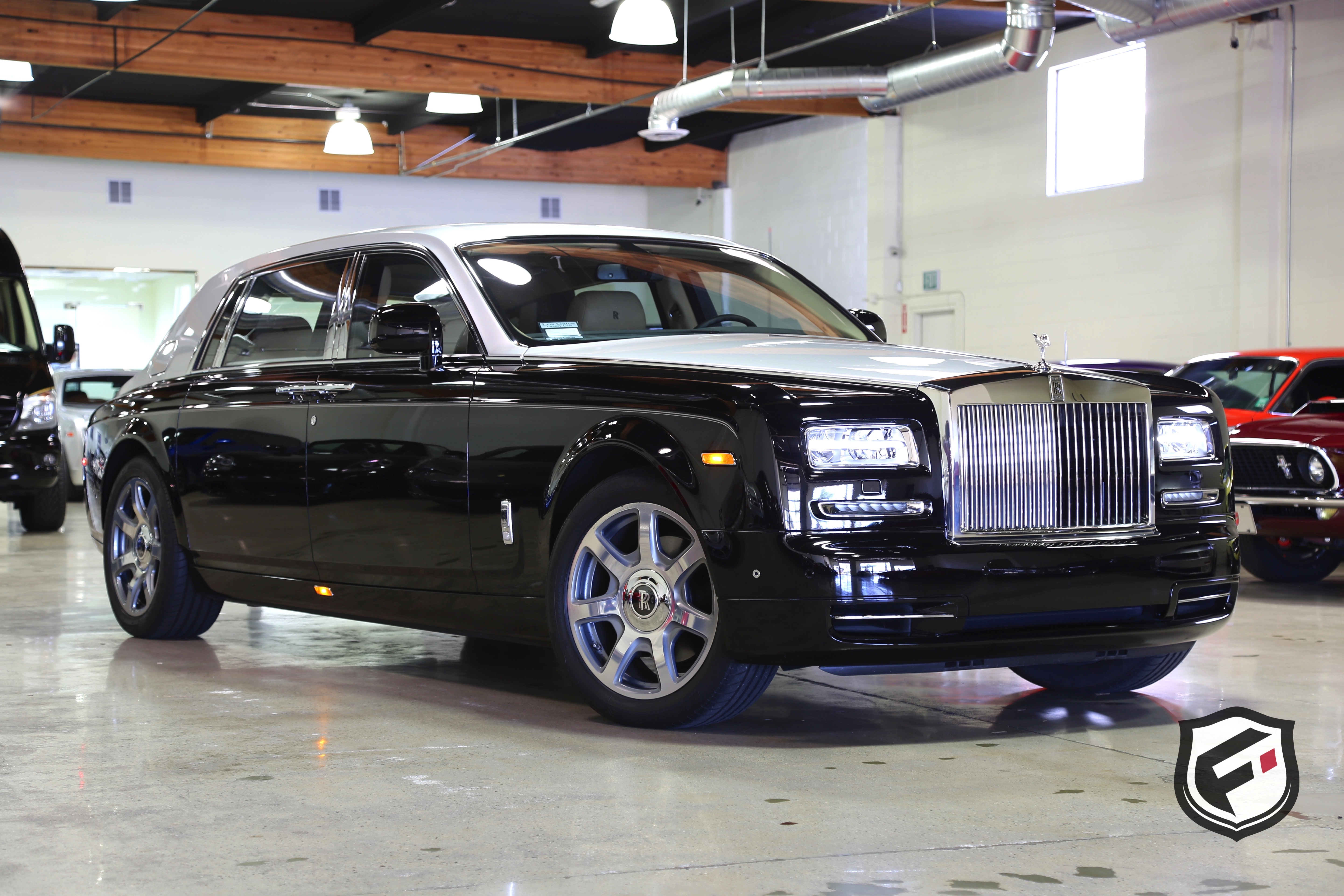 2014 rolls royce phantom extended wheelbase fusion luxury motors. Black Bedroom Furniture Sets. Home Design Ideas